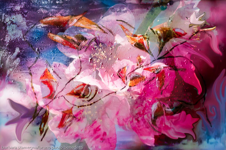 fiori astratti e colori in immagine colorata con forme astratte simili a fiori e boccioli con sfumature di colore