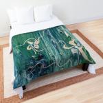 motivo astratto floreale su acqua in tonalità verde con forme floreali astratte